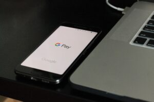 payments fintech phone laptop cashless
